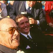NLD/Hilversum/19891116 - Prins Bernhard opent nieuwe pand van ferarri dealer Kroymans in Hilversum, met Frits Kroymans