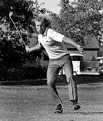Oakland Raiders wide receiver Fred Biletnikoff let loosewith golf club in un-official ClubThrowing contest.<br />in San Ramon, Cal