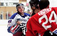 ISHOCKEY Eliteserien 2. oktober 2005 STJERNEN - VÅLERENGA<br /> Greg Day, VIF fikk 2 minutters utvisning etter slossing<br /> FOTO KURT PEDERSEN
