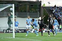 Tippeligaen 2013<br /> Sandnes Ulf v Rosenborg<br /> 25.08.2013 Sandnes Stadion, Sandnes, Norge.<br /> <br /> Foto. Simon Rogers, Digitalsport.<br /> <br /> Sandnes: Sean McDermott<br /> Rosenborg: Tore Reginiussen