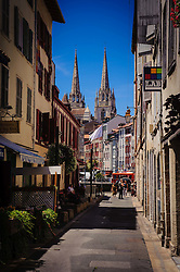 Looking down a street in Bayonne France towards Sainte-Marie Cathedral<br /> <br /> (c) Andrew Wilson | Edinburgh Elite media