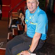 NLD/Bussum/20151106 - Sky Radio's 60 Dagen Superprijzen stoelendans actie, scheidsrechter Dirk Jol