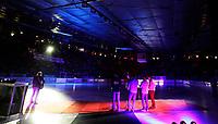 Ishockey Hokey<br /> GET - ligaen<br /> Jordal Amfi 29.12.12<br /> Vålerenga VIF - Storhamar<br /> Kick-off til jubileumssesongen 2013 med Vålerenga Idrettsforening<br /> Trond Ingebretsen framførte Jubileumslåta<br /> Foto: Eirik Førde