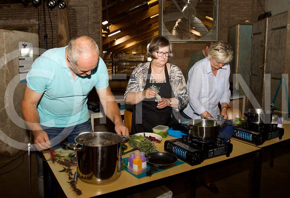 DE KRIM - Cursus koken met duurzame producten.<br /> Foto: Groente soep koken.<br /> FFU Press Agency copyright Frank Uijlenbroek