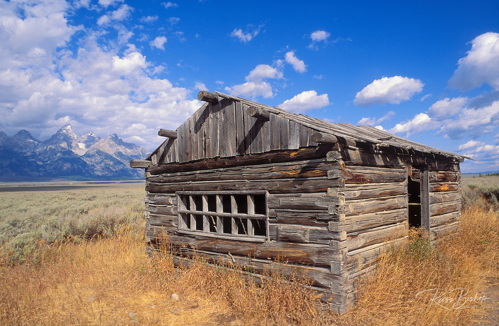 Pioneer cabin on Antelope Flats under the Grand Tetons, Grand Teton National Park, Wyoming