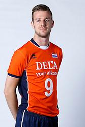 20150506 NED: Selectie Nederlands volleybal team mannen, Arnhem<br />Op Papendal werd het Nederlands team volleybal seizoen 2015-2016 gepresenteerd / Ewoud Gommans<br />©2015-FotoHoogendoorn.nl / Pim Waslander