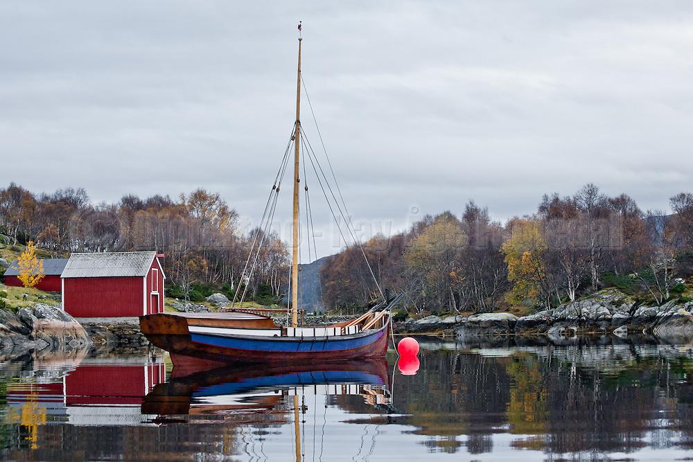 Båt i Bondestokksund