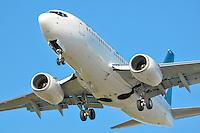 Westjet 737-700 on short final