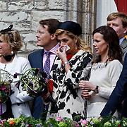 NLD/Middelburg/20100430 -  Koninginnedag 2010, Maxima is verkouden en snuit haar neus