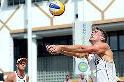 17-07-2014 NED: FIVB Grand Slam Beach Volleybal, Apeldoorn<br /> Poule fase groep A mannen - Reinder Nummerdor and Steven van de Velde versus Alexander Walkenhorst and Stefan Windscheif from Germany