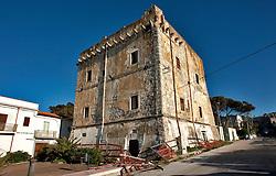 Rodi Garganico, aprile 2013..Ex Fortezza Militare di proprietà della Guardia di Finanza, attualmente in disuso