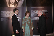 Ian Warrell, Kathy Lochnan and Martin Butlin. Turner Whistler Monet, exhibtion opening dinner, Tate Britain. 7 February 2005, ONE TIME USE ONLY - DO NOT ARCHIVE  © Copyright Photograph by Dafydd Jones 66 Stockwell Park Rd. London SW9 0DA Tel 020 7733 0108 www.dafjones.com