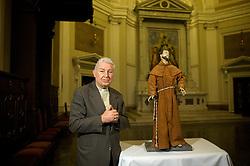 Nascido em Nova Petrópolis no dia 7 de setembro de 1936, Dom Dadeus Grings, foi nomeado pelo Papa João Paulo II arcebispo coadjuntor de Porto Alegre no ano de 2000. No ano seguinte assumiu efetivamente como arcebispo metropolitano de Porto Alegre e um dos responsáveis pela Catedral Metropolitana, que abriga a histórica e primitiva imagem de São Francisco das Chagas, primeiro padroeiro de Porto alegre, quando era Porto dos Casais. FOTO: Lucas Uebel/Preview.com