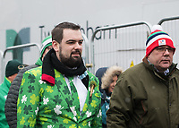 LONDON, ENGLAND - MARCH 17: Fans arriving early for the NatWest Six Nations Championship match between England and Ireland at Twickenham Stadium on March 17, 2018 in London, England. (Photo by Ashley Western - MB Media via Getty Images)