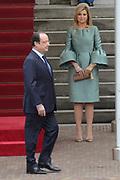 """François Hollande brengt een officieel bezoek aan Nederland. Hollande is in Nederland om de handelsbetrekkingen aan te halen.<br /> <br /> François Hollande brings an official visit to the Netherlands. Hollande is in the Netherlands for """"better""""Trading relations<br /> <br /> Op de foto/ On the photo:  Welkomstceremonie , de Franse president François Hollande loopt voor Koningin Maxima langs<br /> <br /> Welcoming ceremony, French President Francois Hollande ans Queen Maxima"""