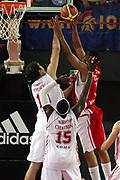 DESCRIZIONE : Roma Lega A1 2006-07 Lottomatica Virtus Roma Whirlpool Varese <br /> GIOCATORE : Howell <br /> SQUADRA : Whirlpool Varese <br /> EVENTO : Campionato Lega A1 2006-2007 <br /> GARA : Lottomatica Virtus Roma Whirlpool Varese <br /> DATA : 25/04/2007 <br /> CATEGORIA : Tiro <br /> SPORT : Pallacanestro <br /> AUTORE : Agenzia Ciamillo-Castoria/G.Ciamillo