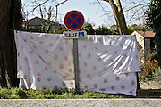 bed sheet and no parking and standing traffic sign France