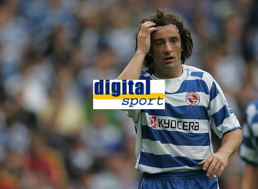Photo: Lee Earle.<br /> Reading v West Ham United. The FA Barclays Premiership. 01/09/2007.Reading's Stephen Hunt looks dejected as they trail to West Ham.