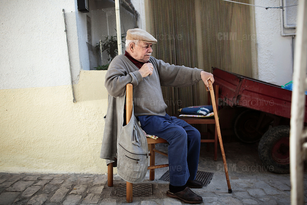 Giuseppe, 87enne contadino,  Orsara di Puglia 3 Maggio 2014.  Christian Mantuano / OneShot