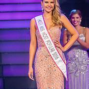 NLD/Hilversum/20160926 - Finale Miss Nederland 2016, Michelle van Sonsbeek wint de Most Popular Award