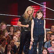 NLD/Hilversum/20151205- Eerste Live uitzending The Voice 2015, Wendy van Dijk en Jennie Lena