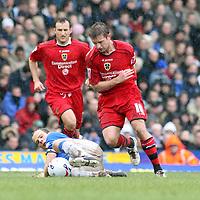 Photo: Mark Stephenson.<br /> Birmingham City v Cardiff City. Coca Cola Championship. 04/03/2007.Cardiff's Stephen McPhail wins the ball