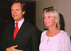 MR & MRS CHARLES DELEVINGNE she is the daughter of Sir Jocelyn Stevens, at a dinner in London on 29th September 1998.MKK 7