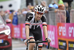 May 25, 2018 - Prato Nevoso, ITALY - Dutch Tom Dumoulin of Team Sunweb crosses the finish line of stage 19 of the 101st edition of the Giro D'Italia cycling tour, 184km from Venaria Reale to Bardonecchia, Italy, Friday 25 May 2018...BELGA PHOTO YUZURU SUNADA FRANCE OUT (Credit Image: © Yuzuru Sunada/Belga via ZUMA Press)