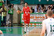 DESCRIZIONE : Siena Lega A 2008-09 Playoff Finale Gara 2 Montepaschi Siena Armani Jeans Milano<br /> GIOCATORE : Luca Vitali<br /> SQUADRA : Armani Jeans Milano<br /> EVENTO : Campionato Lega A 2008-2009 <br /> GARA : Montepaschi Siena Armani Jeans Milano<br /> DATA : 12/06/2009<br /> CATEGORIA : palleggio<br /> SPORT : Pallacanestro <br /> AUTORE : Agenzia Ciamillo-Castoria/G.Ciamillo