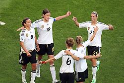 05-07-2011 VOETBAL: FIFA WOMENS WORLDCUP 2011 FRANCE - GERMANY: MONCHENGLADBACH<br /> Torjubel / Jubel  nach dem 0:2 durch Inka Grings (GER #08, Duisburg) (L) mit Kerstin Garefrekes (GER #18, Frankfurt) (2L), sowie Simone Laudehr (GER #06, Duisburg), Babett Peter (GER #04, Potdsdam) und Lena Goe?ling (GER #20, Bad Neuenahr) <br /> ***NETHERLANDS ONLY***<br /> ©2011-FRH- NPH/Mueller