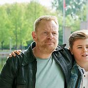 NLD/Amsterdam/20190501 - Perspresentatie cast Onze Jongens in Miami, Martijn Fischer en Matthieu Hinzen