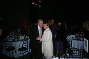 Tessa Jowell and Sir David Frost. The Art Party, Tate Modern. a party to raise funds for 'Art for All'. 16 June 2005. ONE TIME USE ONLY - DO NOT ARCHIVE  © Copyright Photograph by Dafydd Jones 66 Stockwell Park Rd. London SW9 0DA Tel 020 7733 0108 www.dafjones.com