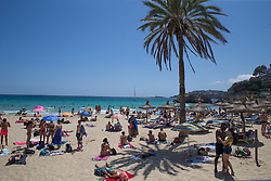 © Licensed to London News Pictures.  30/06/2021. Palma de Mallorca, Spain. Holidaymakers enjoy the sunshine and beaches on Mallorca as Balearic Islands are on the UK 'green list' from 4am, today. Photo credit: Marcin Nowak/LNP