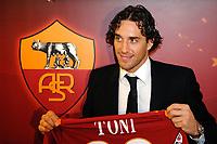 Luca Toni con la maglian numero 30<br /> Luca Toni with his new shirt number 30<br /> Roma 2/1/2010 <br /> Conferenza stampa di presentazione nuovo acquisto AS Roma <br /> Press Conference <br /> Foto Andrea Staccioli Insidefoto