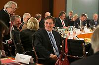 DEU, Deutschland, Germany, Berlin, 06.12.2012:<br />David McAllister (CDU), Ministerpräsident von Niedersachsen, vor dem Gespräch der Bundeskanzlerin mit den Ministerpräsidenten der Bundesländer im Bundeskanzleramt.