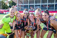 ANTWERPEN - Europees kampioen. goalkeeper Anne Veenendaal (Ned) , Margot Van Geffen (Ned) , Eva de Goede (Ned) ,  Lidewij Welten (Ned), Ireen van den Assem (Ned) , Malou Pheninckx (Ned).     Het Nederlands team na de winst   na   de   finale  dames  Nederland-Duitsland  (2-0) bij het Europees kampioenschap hockey.    COPYRIGHT  KOEN SUYK