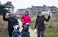 ZANDVOORT - Golfdag van Golfvrouw.nl met Marloes Olling (r) . COPYRIGHT KOEN SUYK