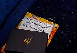 09-12-2006 VOLLEYBAL: CEV OP BEZOEK IN NEDERLAND: ROTTERDAM<br /> De board of Executive Committee CEV waren uitgenodigd door Rotterdam, Rotterdam Topsport en de NeVoBo voor de uitleg van O[peration Restore Confidence / CEV kado<br /> ©2006-WWW.FOTOHOOGENDOORN.NL