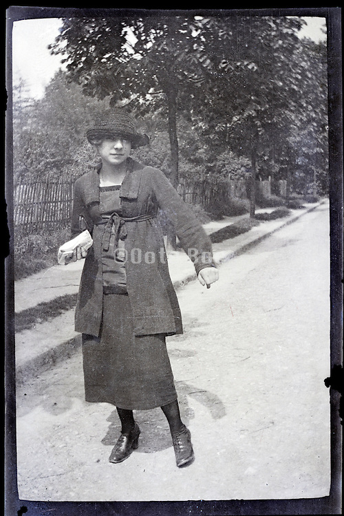 fashionable dressed young woman 1900s Paris