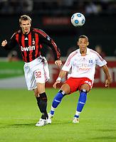 Fotball<br /> Italia<br /> Foto: Witters/Digitalsport<br /> NORWAY ONLY<br /> <br /> 06.01.2009<br /> <br /> v.l. David Beckham, Dennis Aogo HSV<br /> <br /> Fussball Dubai Football Challenge 2009, Hamburger SV - AC Milan