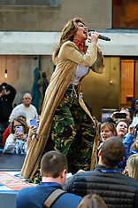 Shania Twain performs on Today Show - 30 Apr 2018