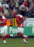 Photo: Olly Greenwood.<br />Charlton Athletic v Manchester City. The Barclays Premiership. 04/11/2006. Charlton's Darren Bent celebrates scoring .