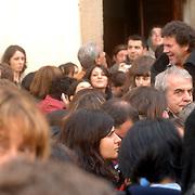 ITA/Bracchiano/20061118 - Huwelijk Tom Cruise en Katie Holmes, vele fans op de been voor het huwelijk