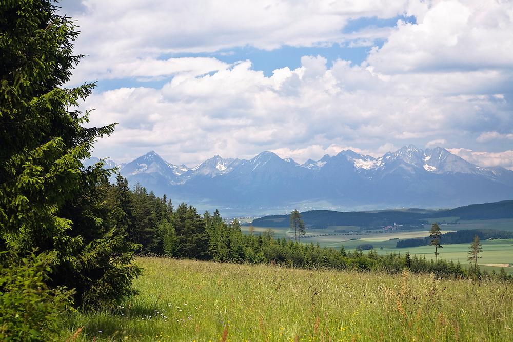 Slowensky Raj Nationalpark, Blick auf die Hohe Tatra, Slowakei / Slowensky Raj National park, view on High Tatra Mountains, Slovakia