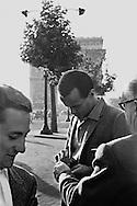 Harry Belafonte signing autographs on the Champs Elysées in Paris, France.<br /> <br /> <br /> Harry Belafonte signant des autographes sur les Champs Elysées à Paris , France .