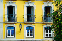 Portugal, Lisbonne, façades sue la rua Cais de Santarem // Portugal, Lisbon, front building on rua Cais de Santarem street