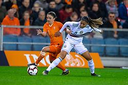 05-04-2019 NED: Netherlands - Mexico, Arnhem<br /> Friendly match in GelreDome Arnhem. Netherlands win 2-0 / Danielle van de Donk #10 of The Netherlands, Nancy Antonio #8 of Mexico