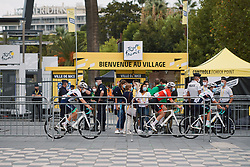 Équipe Paule Ka follow the maze of barriers to the sign on stage at the 2020 La Course By Le Tour with FDJ, a 96 km road race in Nice, France on August 29, 2020. Photo by Sean Robinson/velofocus.com