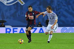 November 5, 2017 - San Sebastian, Gipuzkoa - Basque Country, Spain - Jordan  of Eibar duels for the ball with Zurutuza of Real Sociedad during the Spanish league football match between Real Sociedad and Eibar at the Anoeta Stadium on 5 November 2017 in San Sebastian, Spain  (Credit Image: © Jose Ignacio Unanue/NurPhoto via ZUMA Press)