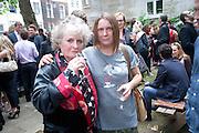 MAGGI HAMBLING; SARA LUCAS, Sebastian Horsley funeral. St. James's church. St. James. London afterwards in the church garden. July 1 2010. -DO NOT ARCHIVE-© Copyright Photograph by Dafydd Jones. 248 Clapham Rd. London SW9 0PZ. Tel 0207 820 0771. www.dafjones.com.